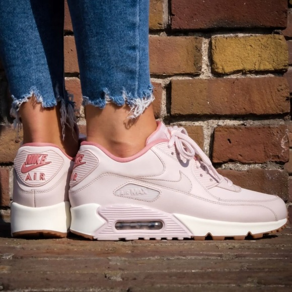 timeless design 81a5c f202c Nike Air Max 90 Leather 921304-600 Womens Sneakers